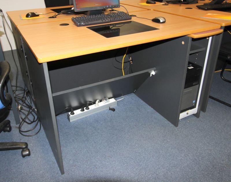 Bureau table informatique pour salle de formation avec support de