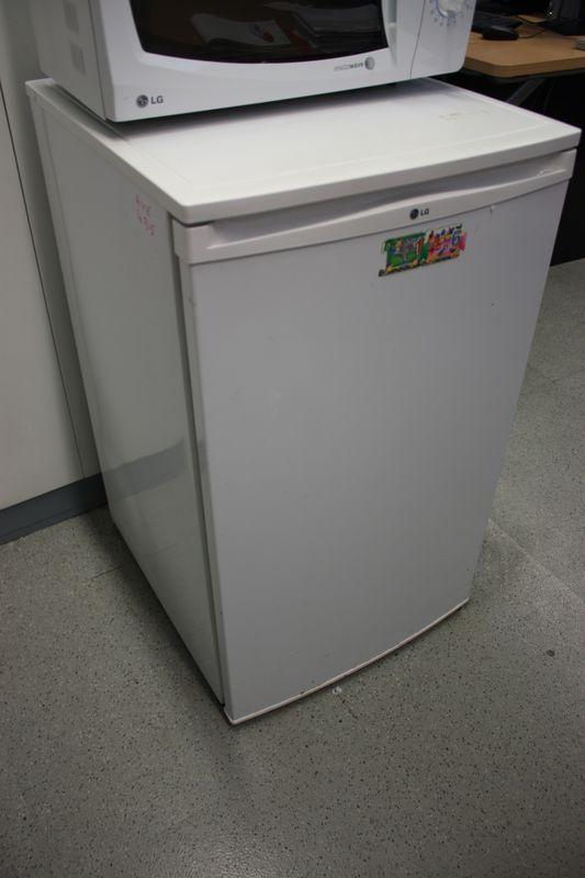 refrigerateur table top de marque lg etage 9 salle pilote. Black Bedroom Furniture Sets. Home Design Ideas