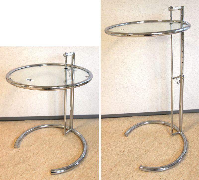 eileen gray modele e1027 gueridon ajustable en hauteur en acier chrome et plateau en verre de style. Black Bedroom Furniture Sets. Home Design Ideas