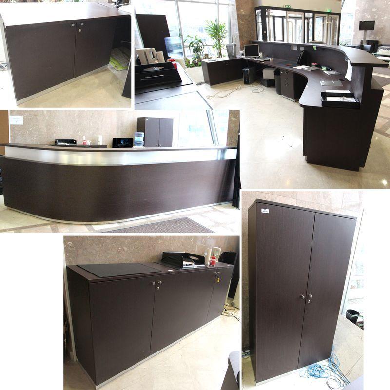 comptoir daccueil comprenant un meuble bas ouvrant par. Black Bedroom Furniture Sets. Home Design Ideas