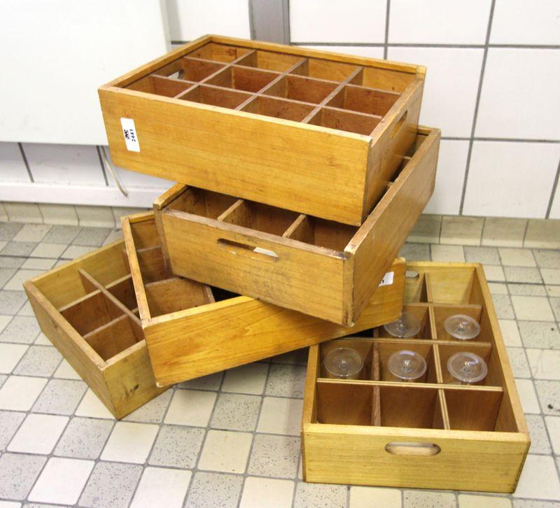 vaisselles-diverses-comprenant-environ-18-tasses-45-sous-tasses-38-assiettes-a-dessert-une-partie-d