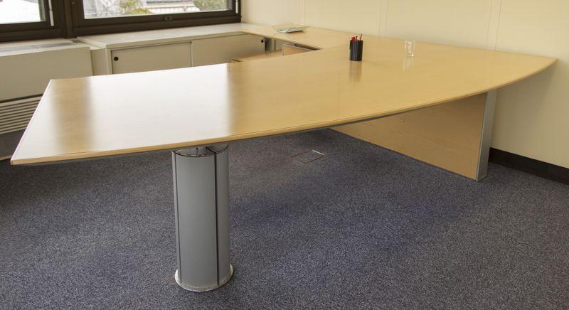 Ameublement bureau en bois arrondi avec sous main intégré