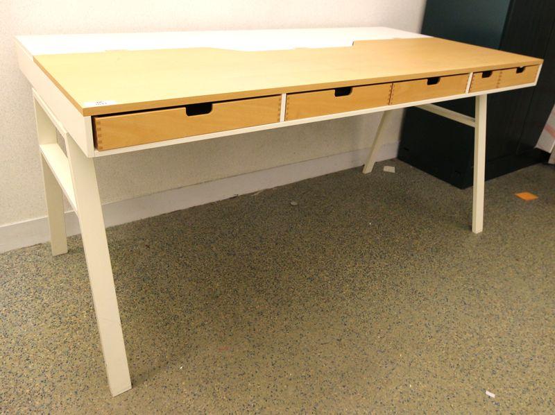 Bureau en bois melamine couleur hetre clair et blanc ouvrant par