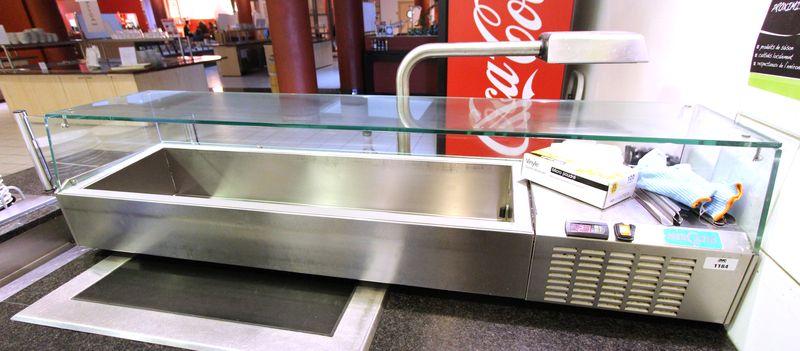 meuble refrigere de marque mercatus en inox alimentaire avec vitrine de protection en verre a poser