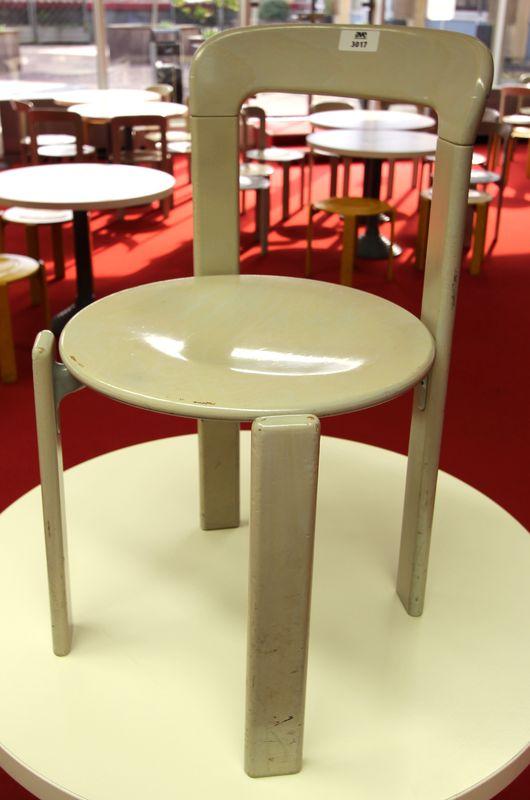 49 chaises rey design par bruno rey 1971 fabrication dietiker suisse pour mobilier international ch. Black Bedroom Furniture Sets. Home Design Ideas