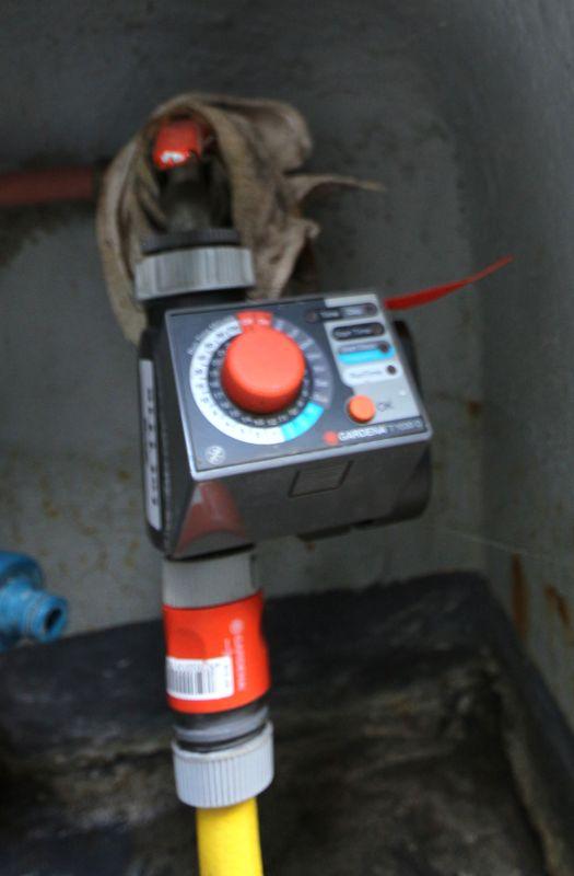 Systeme darrosage automatique avec programmateur de marque gardena modele t 1030 d avec ses tuyaux - Gardena arrosage automatique ...