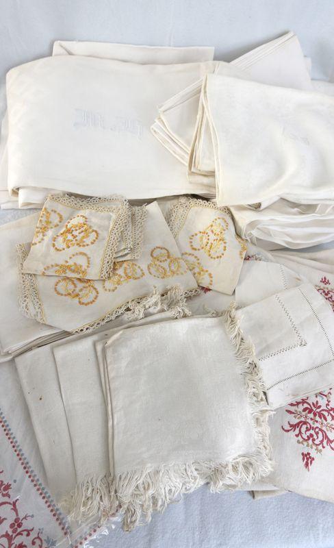 nappes et serviette en lin et autre chiffre brodes ou avec jour alteration. Black Bedroom Furniture Sets. Home Design Ideas