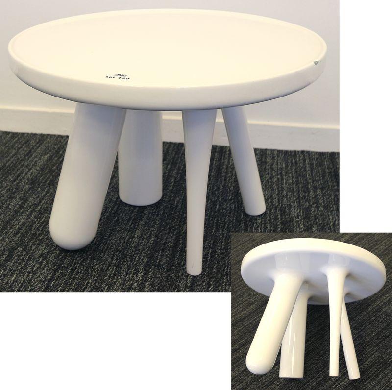 jaime hayon 1974 table basse ronde modele element 002 en fibre de verre laque blanc dimensions 36 x. Black Bedroom Furniture Sets. Home Design Ideas