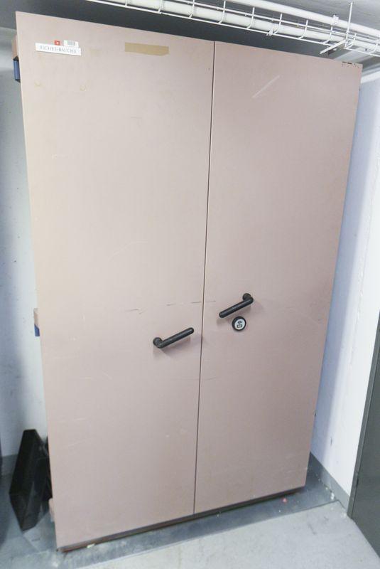 armoire forte de marque fichet bauche modele s60p 750 kg laquee bleu et beige fermeture a cle vendu. Black Bedroom Furniture Sets. Home Design Ideas