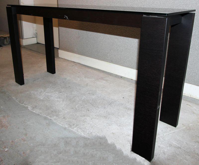 console en bois laque noir brillant a plateau rectangulaire en verre a coloration noire 74 x 140 x. Black Bedroom Furniture Sets. Home Design Ideas