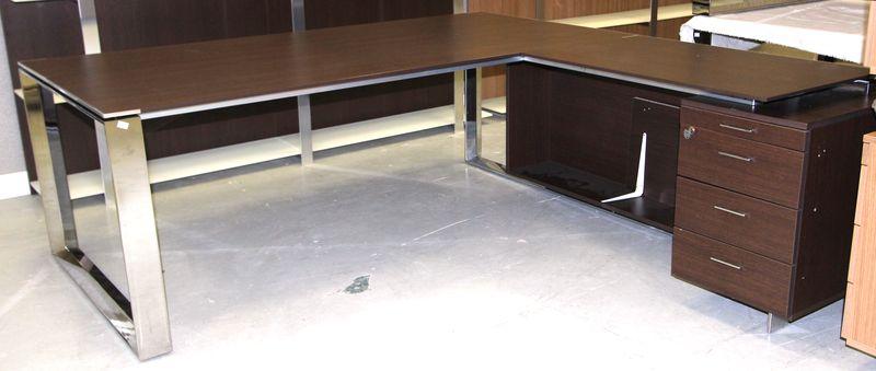 Bureau dangle avec caisson integre ouvrant par trois tiroir et une tablette p - Bureau d angle avec tiroir ...