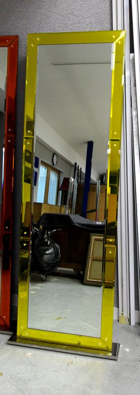 miroir biseaute de forme rectangulaire avec encadrement en
