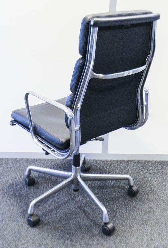 fauteuil de bureau modele ea219 serie soft pad design charles and ray eames edition vitra garni de. Black Bedroom Furniture Sets. Home Design Ideas
