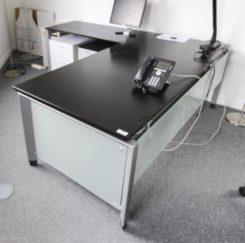 Mobilier de bureau de direction a structure metallique - Bureau couleur wenge ...