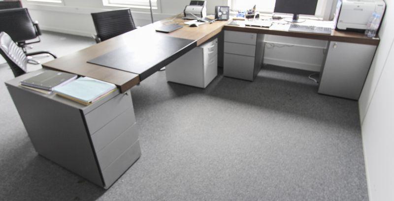 Mobilier de bureau de direction en bois metal laque gris aluminium