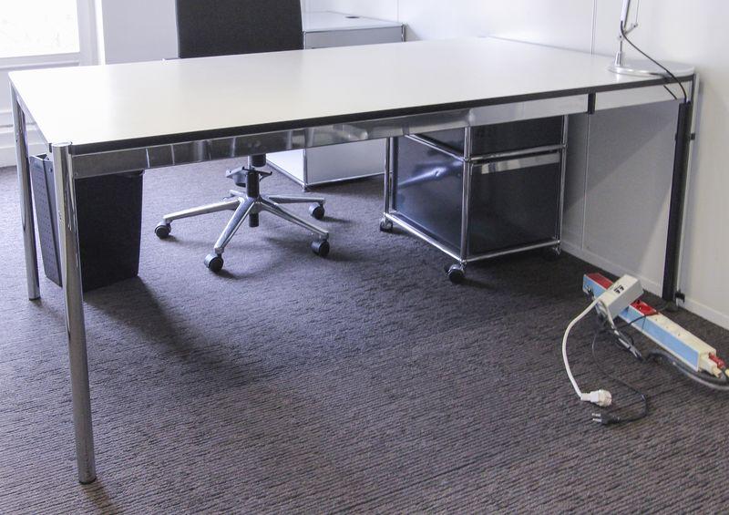 Lot unites table ou bureau rectangulaire de marque usm
