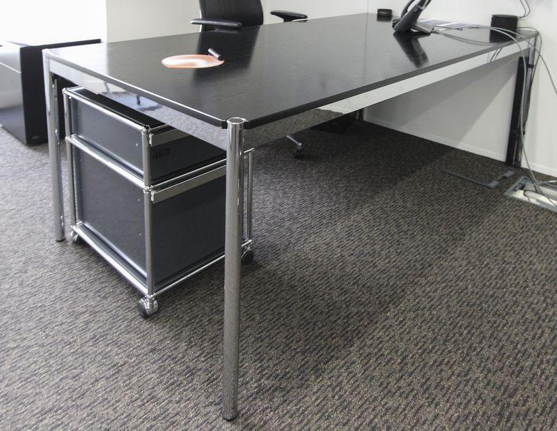 Table ou bureau rectangulaire de marque usm haller la structure