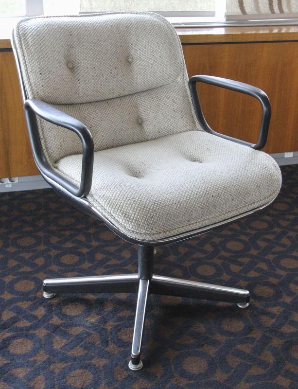 Charles pollock 1902 1988 fauteuil de bureau a coque cerclee de metal chrome tubulaire pietement a - Fauteuil de bureau knoll ...