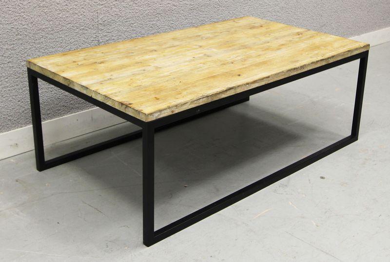Table basse avec plateau rectangulaire en bois ceruse blanc reposant