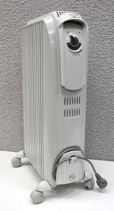 lot 114 1 unite radiateur bain dhuile de marque delonghi. Black Bedroom Furniture Sets. Home Design Ideas