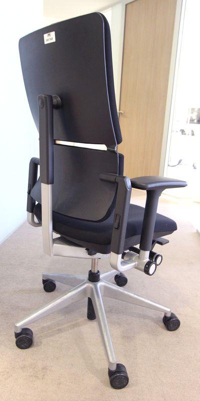 2 unites fauteuil de bureau de marque steelcase modele please en tissu noir pietement en etoile chr - Fauteuil de bureau steelcase ...